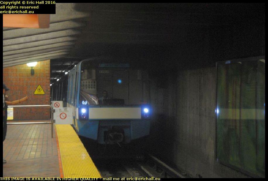 metro train montreal canada september septembre 2016