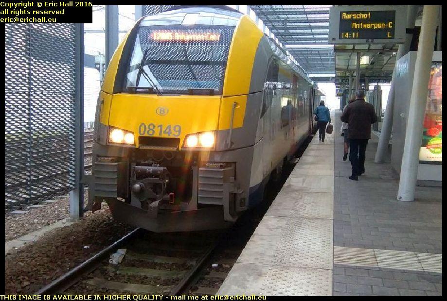 train railway station leuven aarschot antwerpen centraal antwerp central belgium december decembre 2016