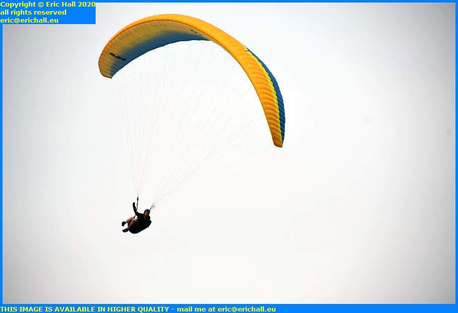 hang glider granville manche normandy france eric hall