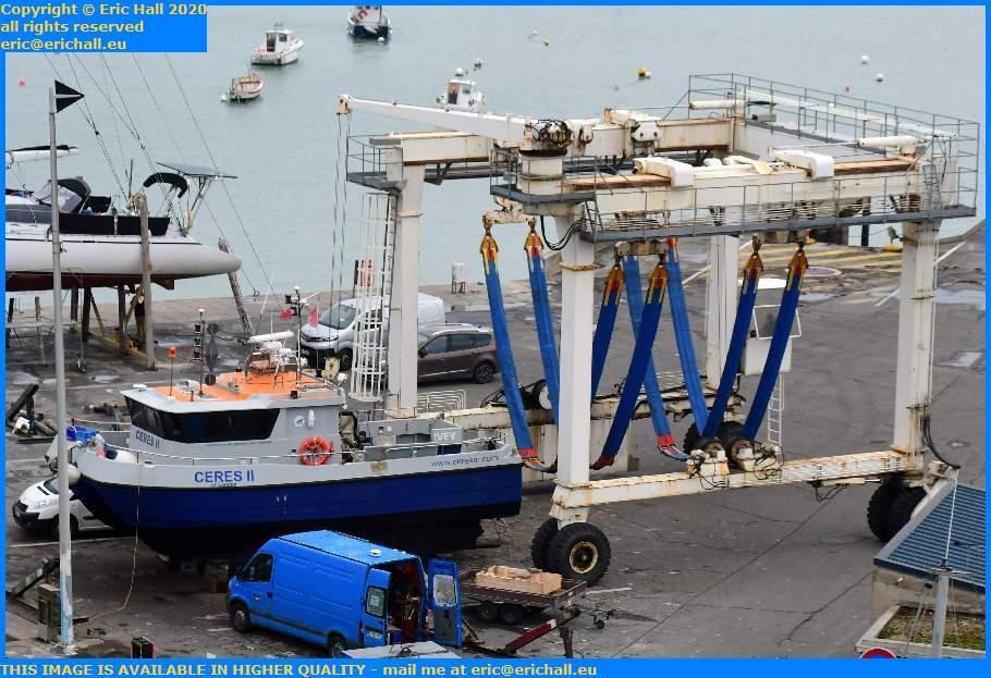 ceres 2 portable boat lift chantier navale port de Granville harbour Manche Normandy France Eric Hall