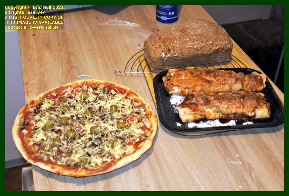 home made bread vegan pizza jam roly poly place d'armes Granville Manche Normandy France Eric Hall