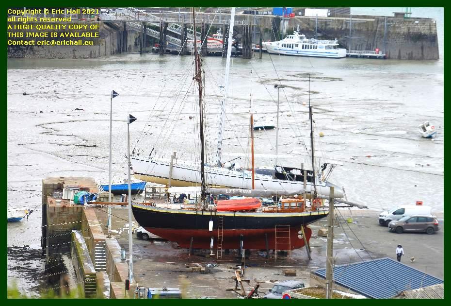 lys noir chantier navale port de Granville harbour Manche Normandy France Eric Hall