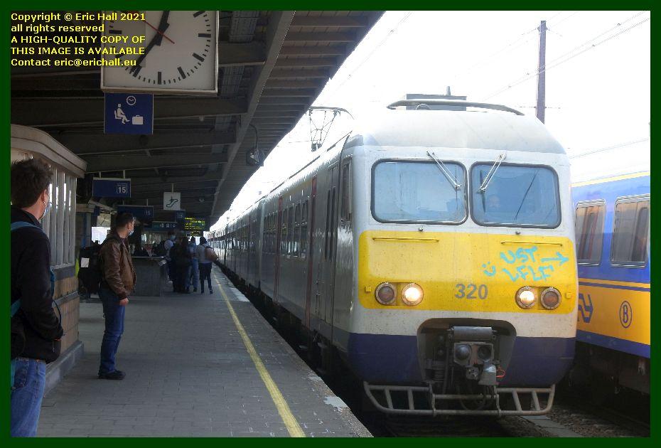 320 am 80 multiple unit gare du midi brusseks belgium Eric Hall
