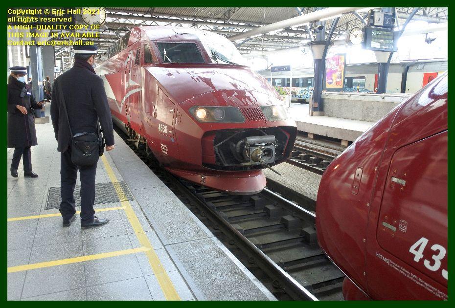 TGV Réseau 38000 tri-volt 4536 coupling up to Thalys PBKA 4331 gare de brussels midi railway station belgium Eric Hall