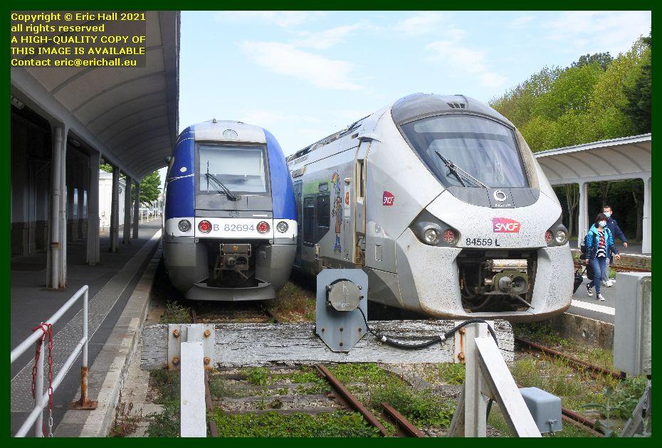 82694 Bombardier B82500 84559 GEC Alstom Regiolis gare de Granville Manche Normandy France Eric Hall