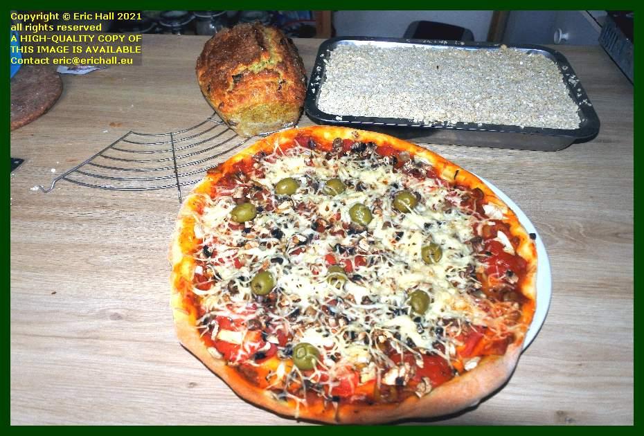 vegan pizza sourdough fruit loaf apple crumble place d'armes Granville Manche Normandy France Eric Hall