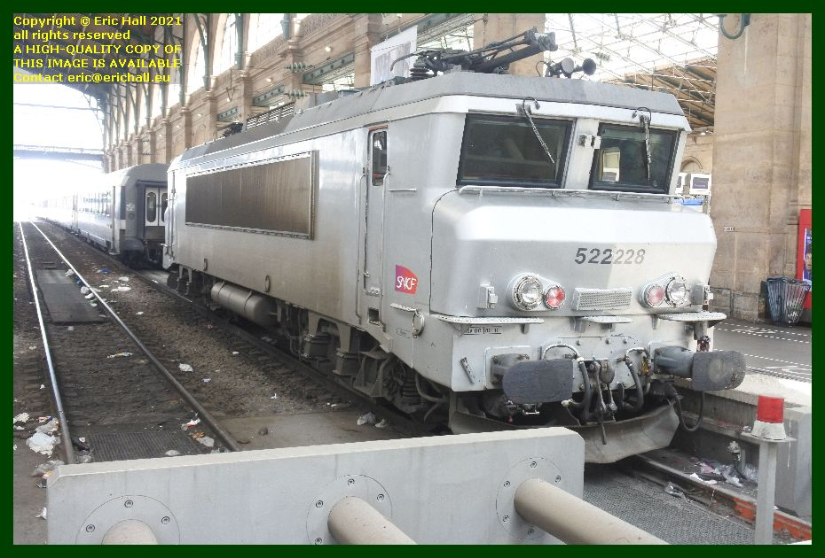 sncf locomotive 522228 class bb 22200 gare du nord paris France Eric Hall