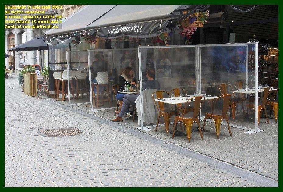 social distancing cafe tiensestraat Leuven Belgium Eric Hall