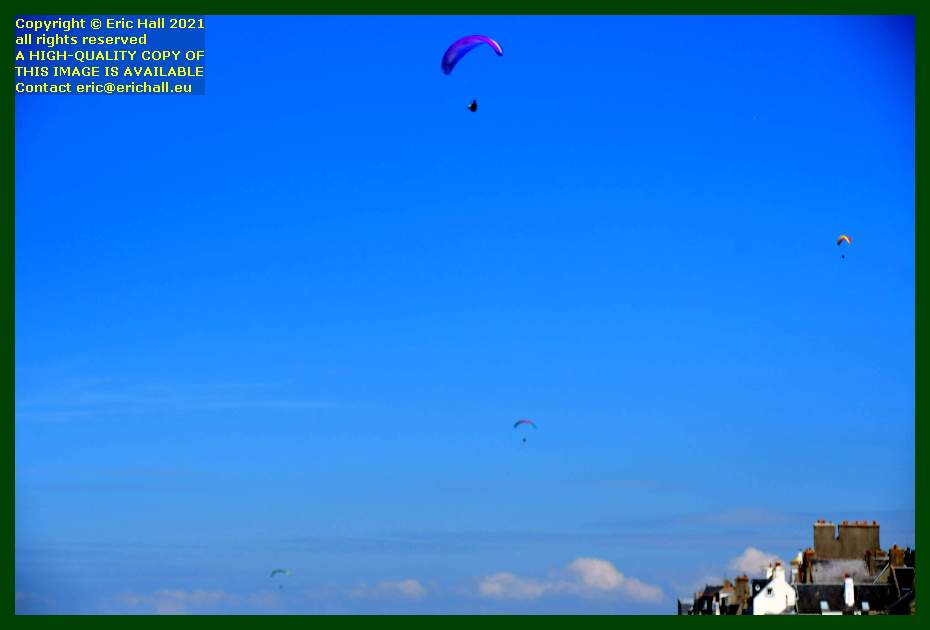 hang gliders place d'armes Granville Manche Normandy France Eric Hall