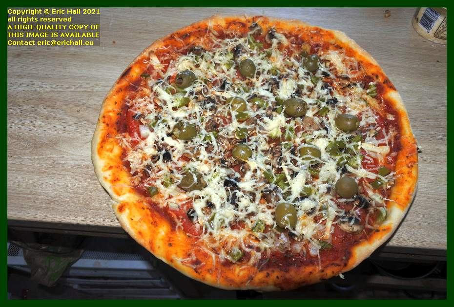 vegan pizza place d'armes Granville Manche Normandy France Eric Hall
