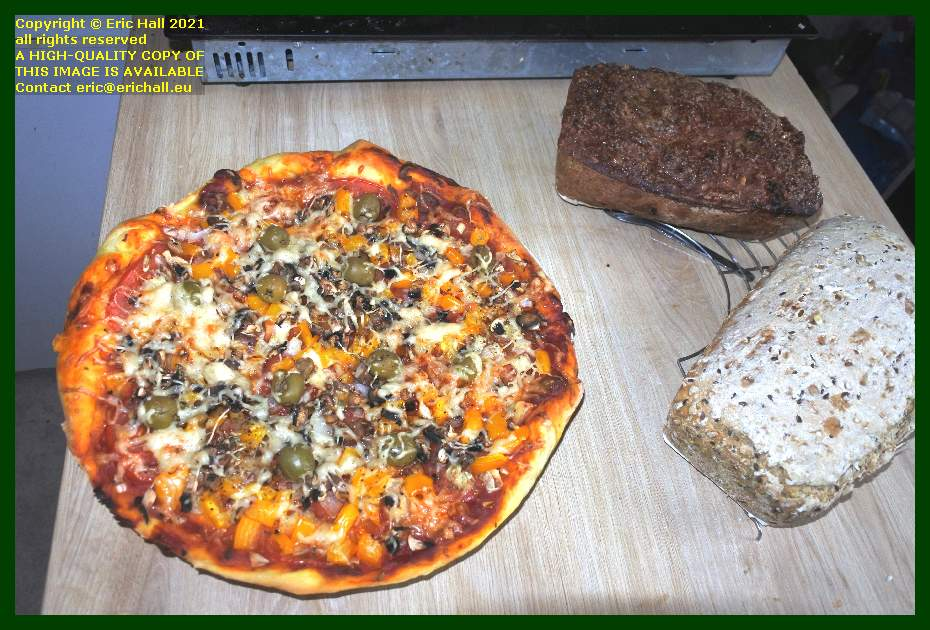 vegan pizza home nade bread fruit bread place d'armes Granville Manche Normandy France Eric Hall