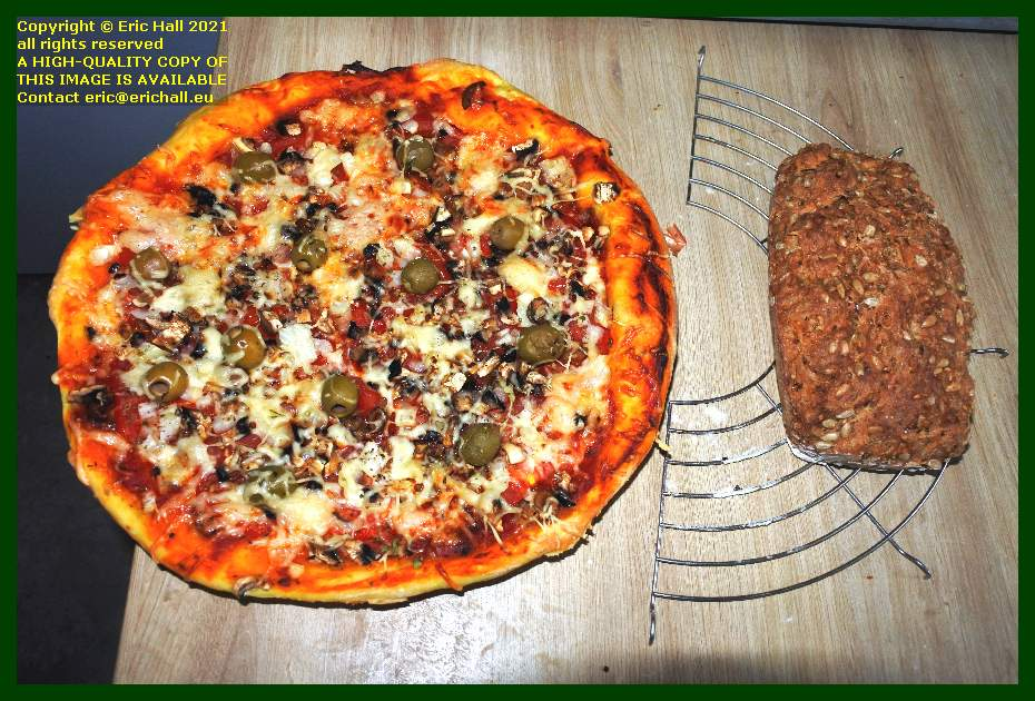 vegan pizza home made bread place d'armes Granville Manche Normandy France Eric Hall