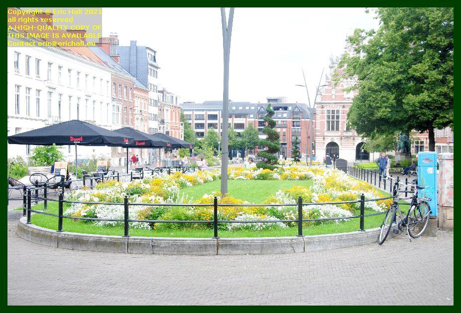 summer flowers herbert hooverlaan leuven belgium Eric Hall