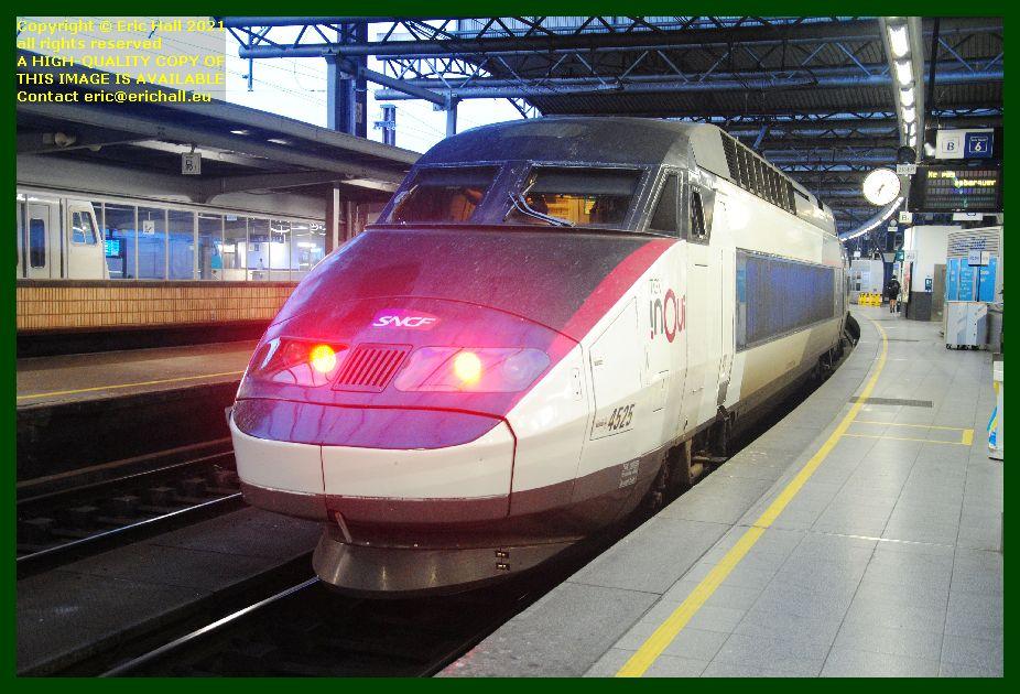 TGV Réseau 38000 tri-volt 4525 PBA gare du midi brussels belgium Eric Hall