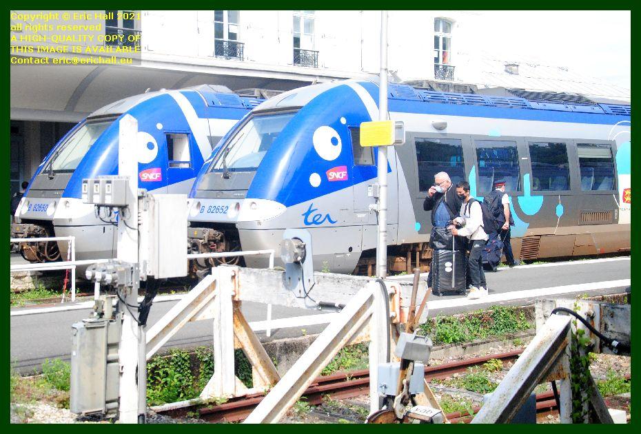 Bombardier B82652 B82650 gare de Granville railway station Manche Normandy France Eric Hall