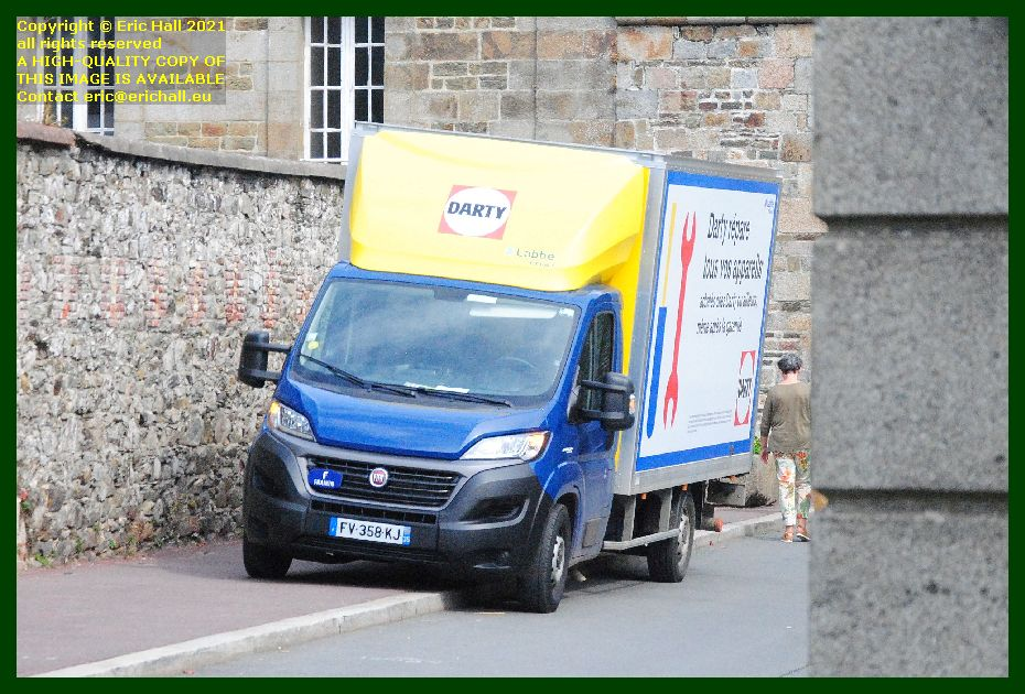 delivery van transshipping porte st jean Granville Manche Normandy France Eric Hall photo September 2021