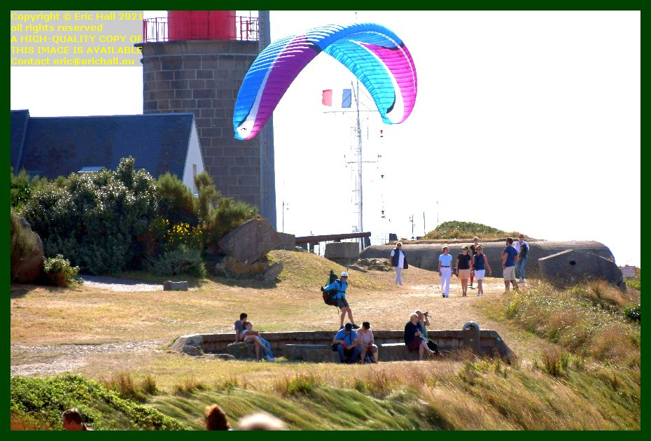 hang glider touches down pointe du roc Granville Manche Normandy France Eric Hall photo September 2021