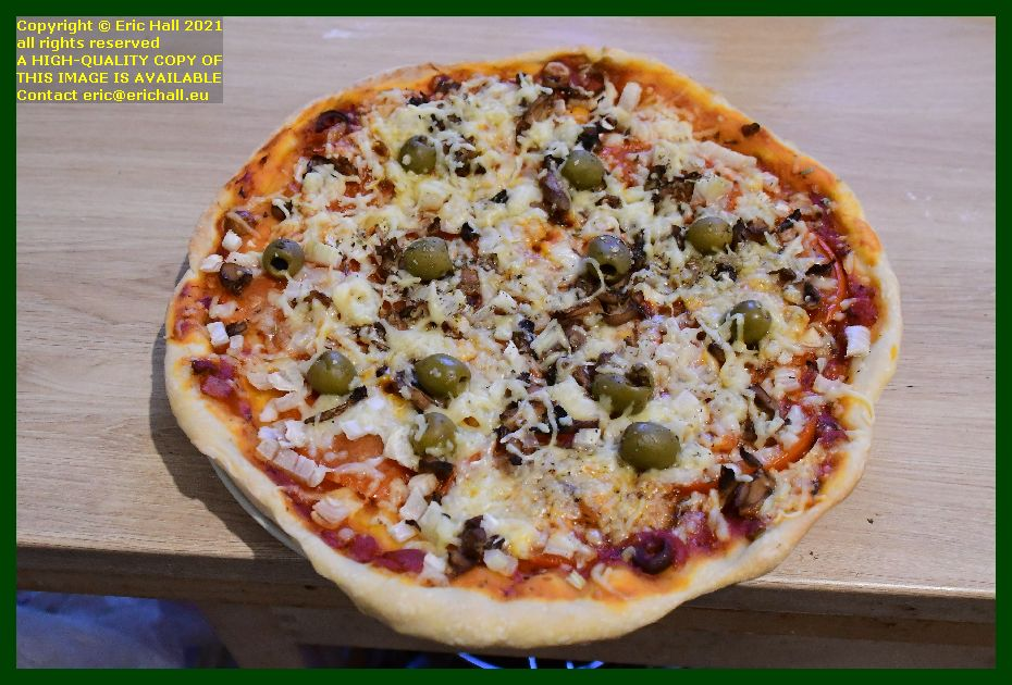 vegan pizza place d'armes Granville Manche Normandy France Eric Hall photo September 2021