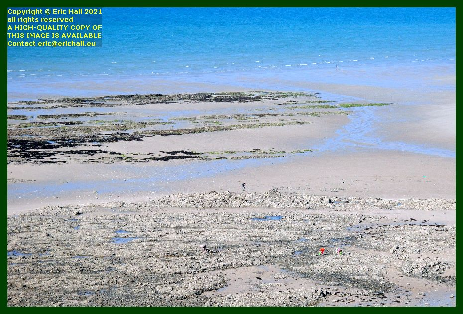 peche a pied beach place d'armes Granville Manche Normandy France Eric Hall photo September 2021