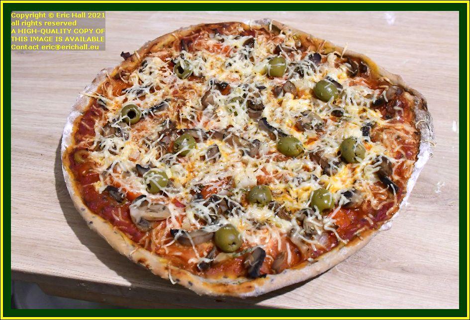 vegan pizza place d'armes Granville Manche Normandy France Eric Hall photo October 2021